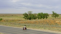 Steppenlandschaft bei Novo Nikolajevka etwa 100 km vor Astrachan