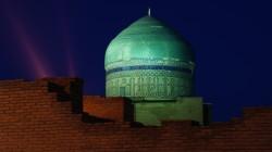 Turkistan Yasavi-Mausoleum Kuppel bei Nacht