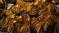 Schweineohren am Markt in Yining - Chinesen essen fast alles