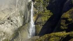 Der Himalaja ist unvorstellbar reich an Wasser - vor allem während des Monsuns.