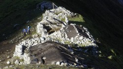 Anstieg zum Tsergo-Ri: Yak-Almen auf 4500 m Höhe