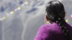 Tibetisches Fest zum Ende des Monsun am Gipfel des Tsergo-Ri (5000 m) - kurze Rast vor der ausgelassenen Feier