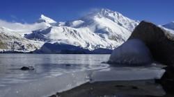 Schneefahnen am Gipfel des Shisha Pangma